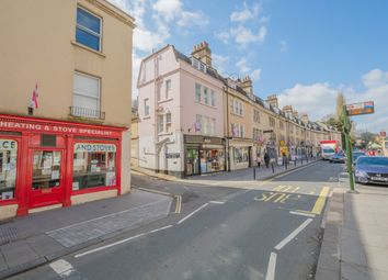 2 bed flat to rent in Widcombe Parade, Bath BA2
