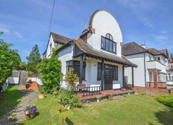 2 bed flat for sale in First Avenue, Westcliff-On-Sea, Essex SS0