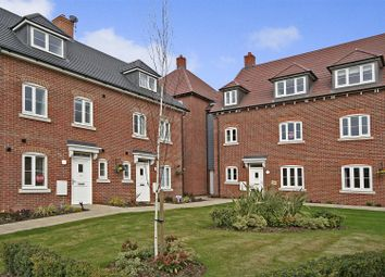Thumbnail Flat for sale in Avian Avenue, Curo Park, Frogmore, St.Albans