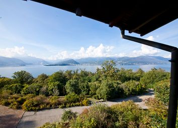 Thumbnail 5 bed villa for sale in Laveno-Mombello, Varese, Lombardy, Italy