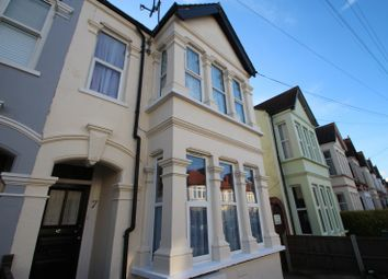 Thumbnail Studio to rent in Claremont Road, Westcliff-On-Sea