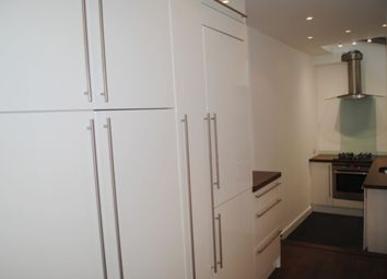 Thumbnail 3 bedroom flat to rent in Old Street, London