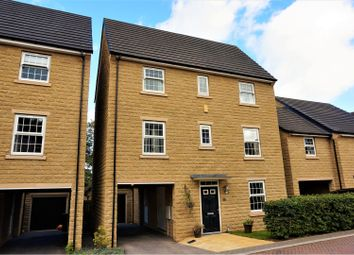 Thumbnail 4 bed detached house for sale in Pilgrim View, Halifax