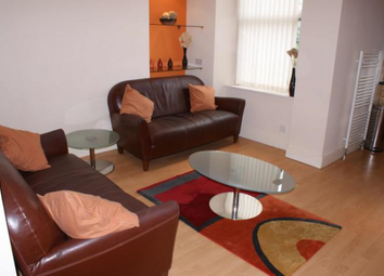 Thumbnail 2 bed flat to rent in Willowbank Road, Aberdeen