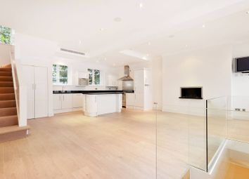 Thumbnail 3 bedroom property to rent in Eaton Mews South, Belgravia