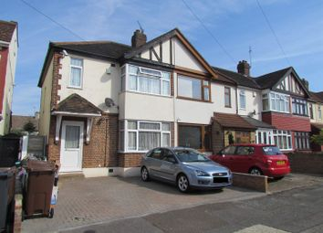 Thumbnail 3 bed property to rent in Geneva Gardens, Chadwell Heath, Romford