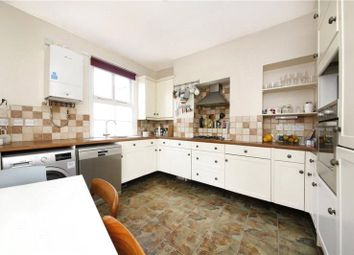 Thumbnail 3 bedroom flat to rent in Lansdowne Drive, London Fields