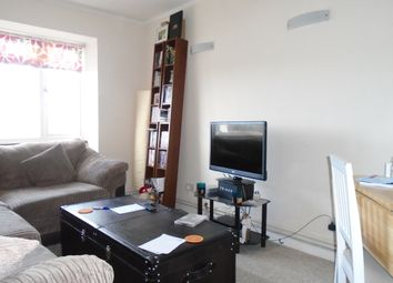 Thumbnail 2 bed flat to rent in Hampden Road, Muswell Hill