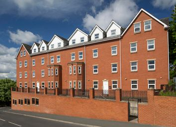 Thumbnail 4 bedroom flat for sale in Hyde Park Road, Leeds