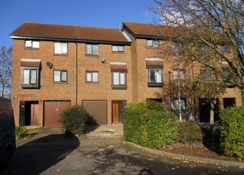 3 bed town house to rent in Tanglewood Way, Feltham TW13