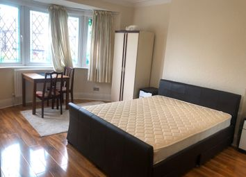 Room to rent in Manor View, London N3