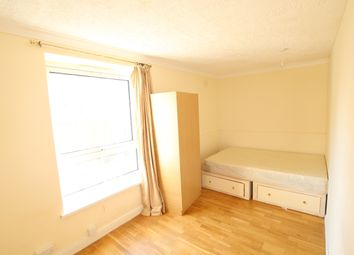 Thumbnail 4 bed shared accommodation to rent in Cahir Street, Canary