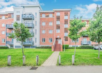 Thumbnail 2 bed flat for sale in Kingsquarter, Maidenhead