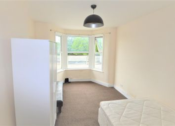 Thumbnail Studio to rent in High Road, Goodmayes, Ilford