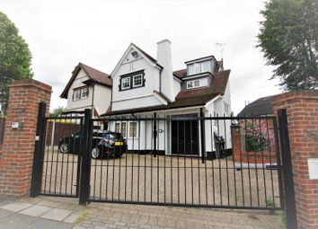 Thumbnail 2 bed property to rent in The Approach, Hendon