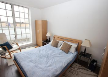 Thumbnail 1 bed property to rent in 18 Tamarind Court, Gainsford Street, Shad Thames