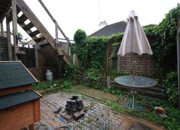 Thumbnail 2 bedroom flat for sale in Fairfax Drive, Westcliff-On-Sea