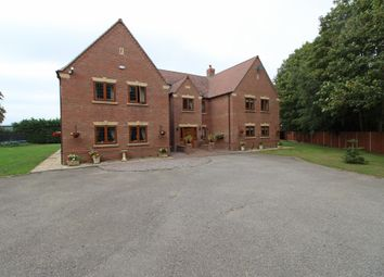 Thumbnail 6 bed detached house for sale in East Road, Sleaford