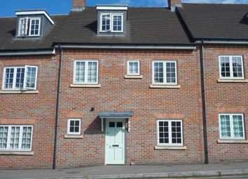 Thumbnail 1 bed flat to rent in Roughdown Road, Boxmoor, Hemel Hempstead