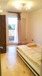 Room to rent in Trundleys Road 54B, London SE8