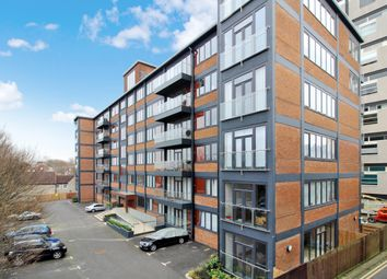 Thumbnail Flat to rent in West Stockwell Street, Colchester