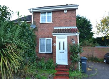 Thumbnail 2 bed property to rent in Broomfield Avenue, Broxbourne