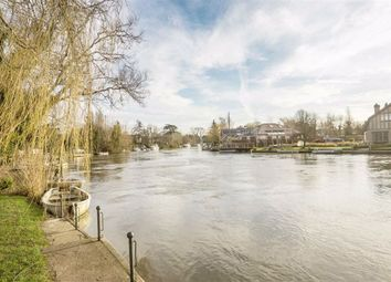 4 bed property for sale in Towpath, Shepperton TW17