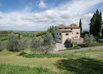 Thumbnail 6 bed villa for sale in Sarteano, Tuscany, Italy