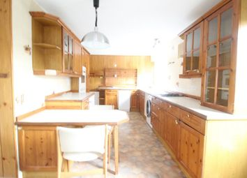Thumbnail 2 bedroom detached bungalow to rent in Lambourne Drive, Maidenhead