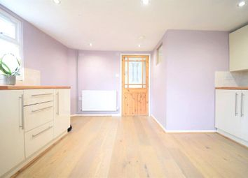 2 bed link-detached house to rent in Barn Farm, Wokingham Road, Hurst, Berkshire RG10