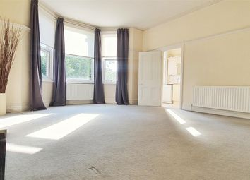 2 bed flat to rent in Bromley Common, Bromley BR2