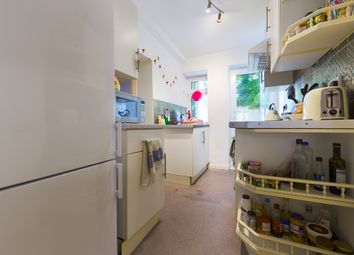 3 bed flat to rent in Albany Villas, Hove BN3