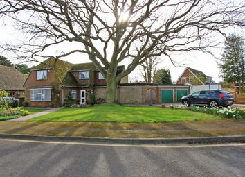Thumbnail 5 bedroom detached house for sale in Cheshunt Close, Meopham, Gravesend