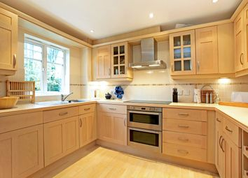 Thumbnail 3 bedroom flat to rent in Hobbs End, Henley-On-Thames