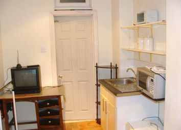 Thumbnail Room to rent in En-Suit Double Room, Park Avenue /Southall