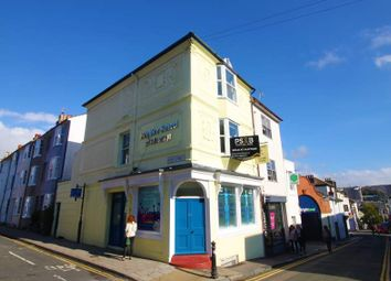 2 bed maisonette to rent in Gloucester Mews, Gloucester Road, Brighton BN1