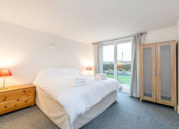 Thumbnail 2 bedroom flat for sale in Pierpoint Building, Canary Wharf