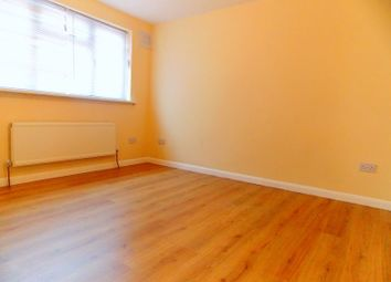 Thumbnail 5 bedroom flat to rent in Gledwood Drive, Hayes