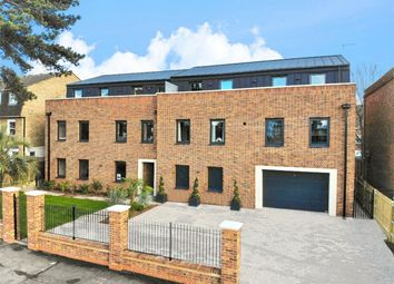 Thumbnail 2 bedroom flat for sale in Wellington Road, Bush Hill Park, Enfield