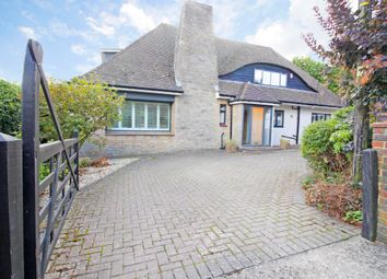 Thumbnail 4 bed detached house for sale in Woodland Close, New Barn, Longfield