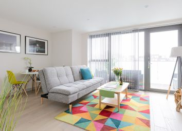 Thumbnail Serviced flat to rent in Singapore Road, London