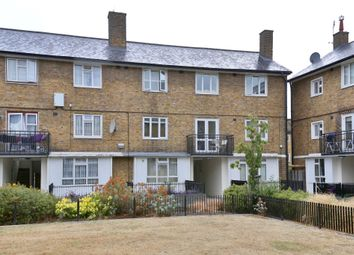 Thumbnail 4 bed maisonette to rent in Elizabeth Close, London