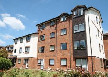 2 bed flat to rent in Grange Court, Chiltern Close, Off Gresham Road, Staines TW18