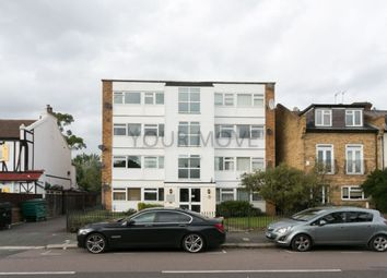 2 bed flat to rent in Chingford Avenue, Chingford, London E4