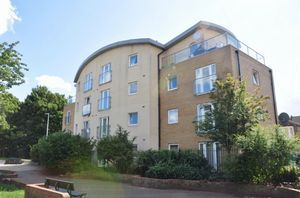 Thumbnail Flat to rent in Chamberlian Close, Ilford