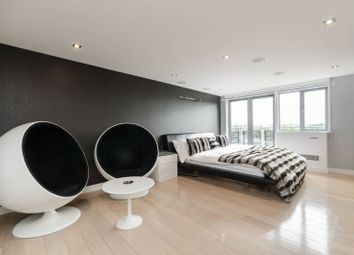 Thumbnail 2 bed flat for sale in Coral House, Ealing