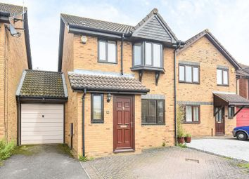 3 bed link-detached house to rent in Falcon Mead, Bicester OX26