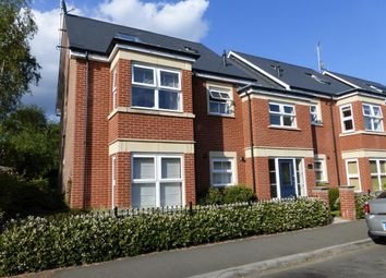 Thumbnail 1 bed flat to rent in Oxford Road, Horsham