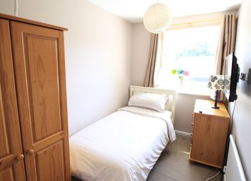 Room to rent in Ashdown Avenue, Farnborough GU14