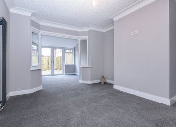 Thumbnail 6 bed shared accommodation to rent in Southholme Drive, Rawcliffe, York